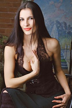 Photo of beautiful Ukraine  Tatyana with brown hair and hazel eyes - 17962